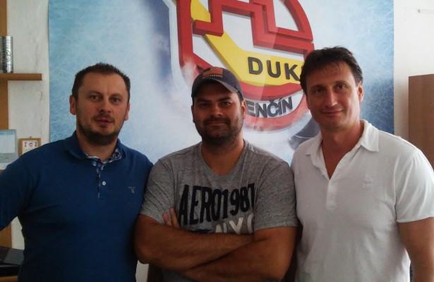 Jaroslav Straka (riaditeľ EUHA), Ján Kobezda (generálny manažér HK Dukla TN), Ľubomír Sekeráš (viceprezident EUHA)